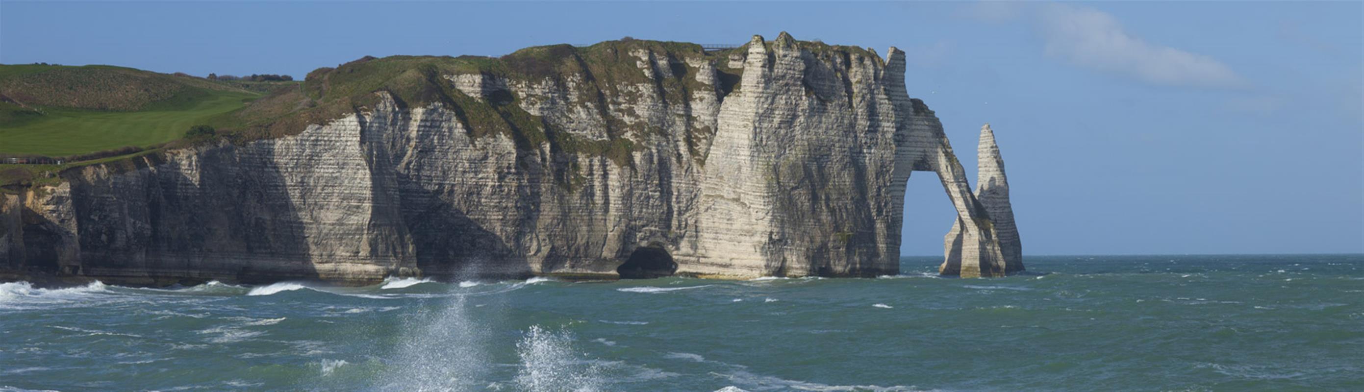 Les falaises d 39 tretat la vallee de seine h tellerie de plein air normandie vacances en - Les portes d etretat maniquerville ...